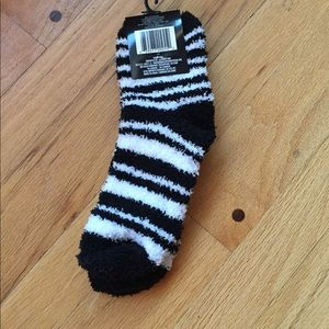 NWT Soft fuzzy socks